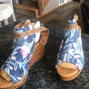 Denim sling back platform  shoes